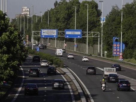 Une proposition de loi pour une vitesse minimum de 80 km/h sur l'autoroute