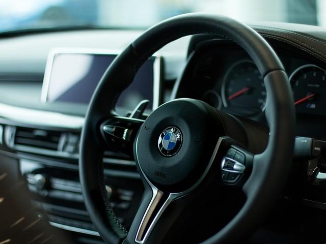 BMW i4 : une berline pure électrique de 530 ch et 600 km d'autonomie