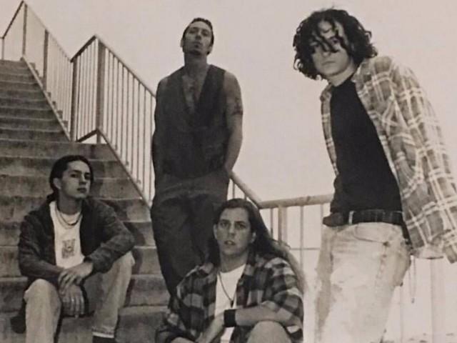 Chester Bennington : son 1er groupe réenregistre leurs chansons avec son fils au chant + des membres de Korn !