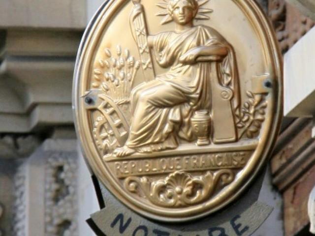 """Loi """"Macron"""": les installations de notaires à la traîne"""