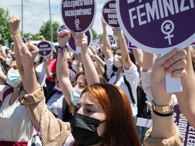 Depuis la conférence de Pékin, la longue lutte des femmes et de l'Europe pour la parité