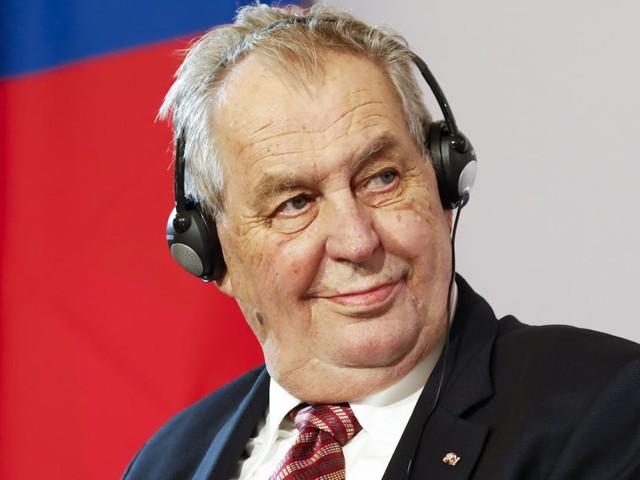 Le président tchèque, Milos Zeman, hospitalisé au lendemain des législatives