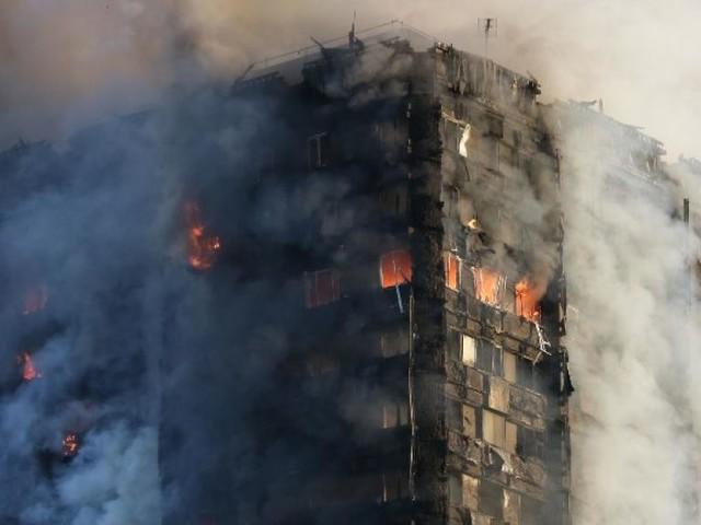 Incendie de la tour Grenfell au Royaume-Uni: début de l'enquête publique