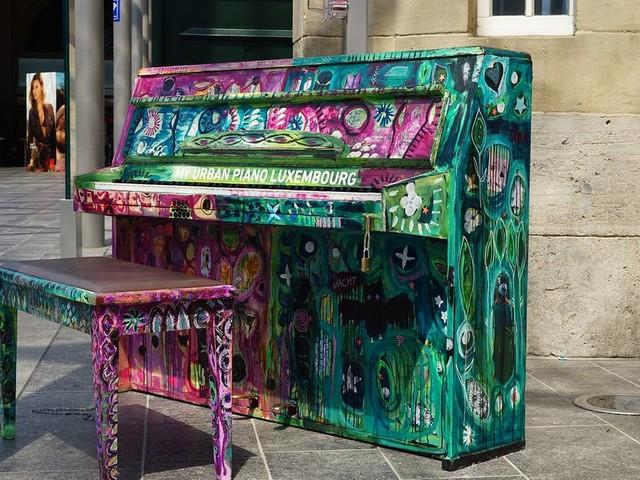 La Nuit des Gares (8/17) : Un piano en libre-service à la Gare de Lyon