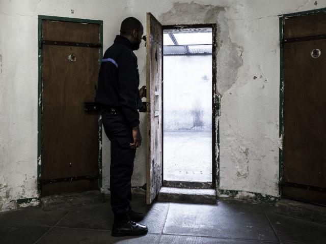 Fresnes : le prisonnier mort du coronavirus aurait été pris en charge bien trop tardivement