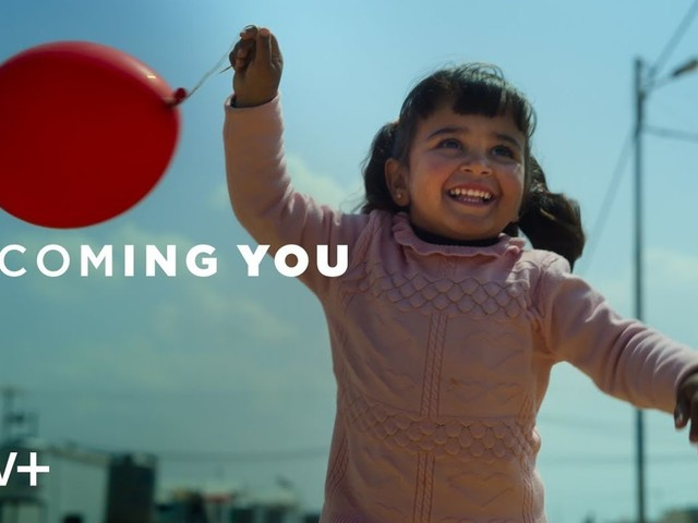 Apple TV+ : premier trailer pour le documentaire Becoming You