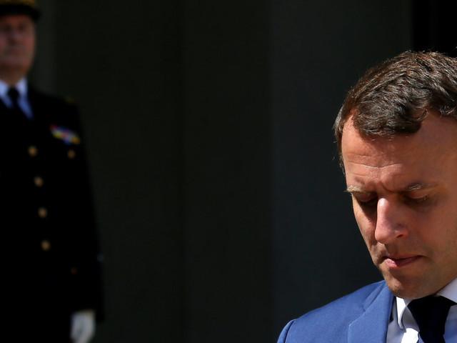 """Le """"narcissisme autocratique"""" de Macron vertement critiqué après la démission du général de Villiers"""