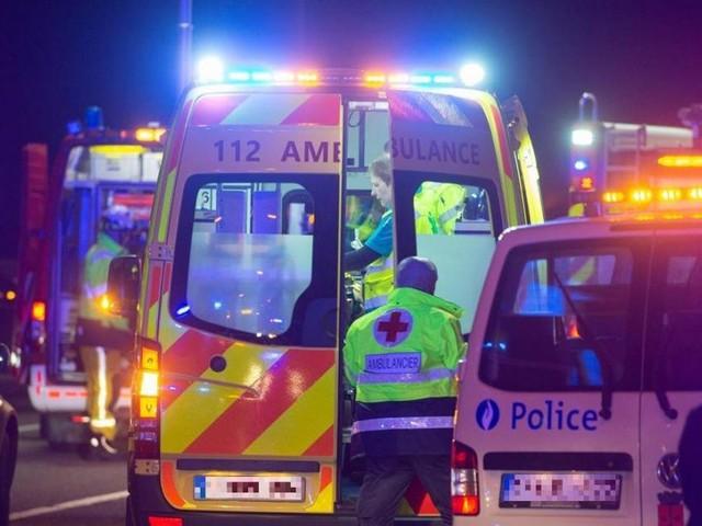 Il tente de rattraper sa voiture qui s'est mise à reculer: un automobiliste risque de perdre une jambe après un accident à Frasnes