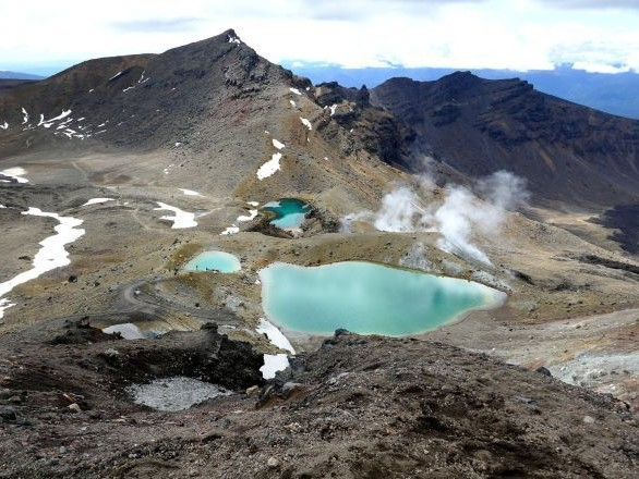 Les victimes de l'éruption du volcan en Nouvelle-Zélande sont majoritairement des touristes en croisière