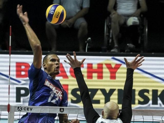 Euro de volley: les Français battent la Finlande et attendent l'Italie en quarts