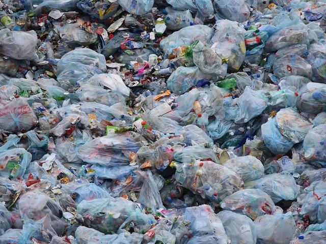 Les infos de 18h - Indonésie : des containers de déchets renvoyés vers la France