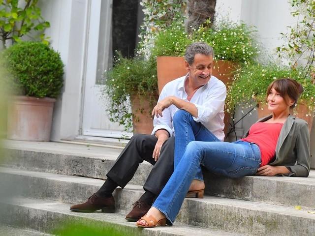 Non, Nicolas Sarkozy n'a pas été retouché pour apparaître plus grand