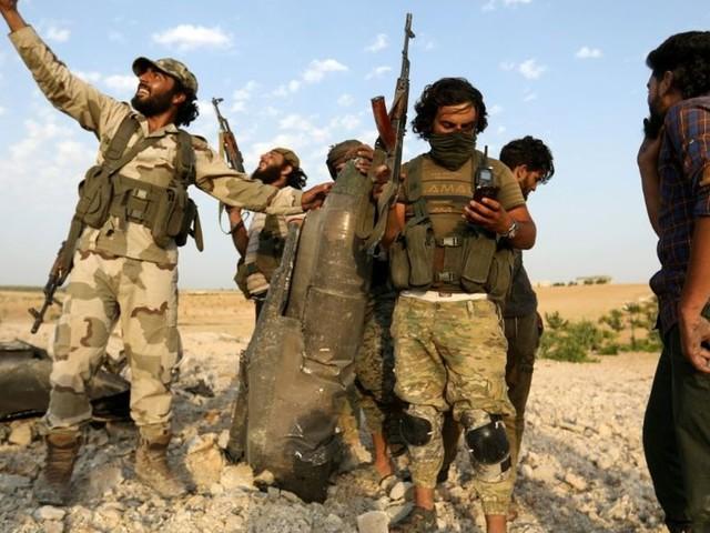Syrie: les forces du régime entrent dans une ville clé du nord-ouest