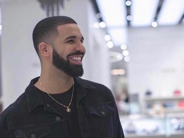 Drake : Sifflé et hué sur scène, il annule son show