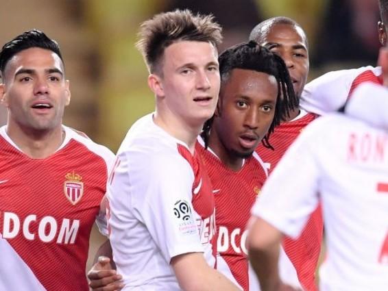 Monaco fausse-t-il le championnat avec son Mercato d'hiver ?