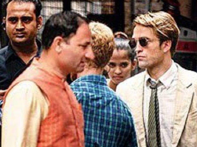 Robert Pattinson and Dimple Kapadia shoot for Tenet near Gateway of India