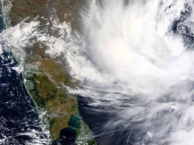 Cyclone Gulab Updates: आंध्र प्रदेश में भारी बारिश के चलते जनजीवन अस्त-व्यस्त, जानें- गुलाब तूफान से जुड़े सभी ताजा अपडेट