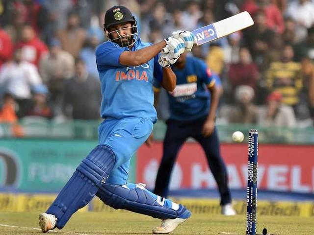 रोहितचे विक्रमी द्विशतक; श्रीलंकेवर 141 धावांनी विजय