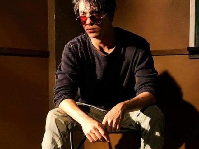 Photo: Aryan looks smart like his dad SRK