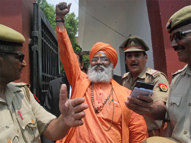 Put couples embracing in public behind bars: Sakshi Maharaj