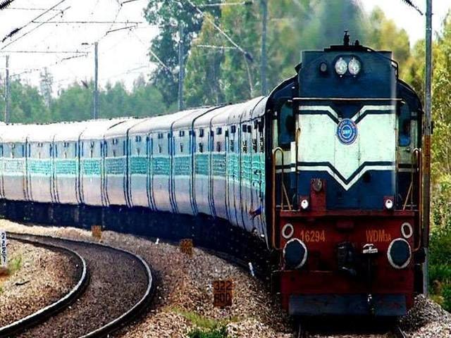केंद्र ने रेलवे को दिए विभिन्न निकायों के एकीकरण व ढांचागत सुधार के निर्देश, जानें- प्रमुख सिफारिशें
