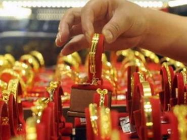 पितृपक्ष के चलते मांग गिरने से 150 रुपए सस्ता हुआ सोना, चांदी की कीमत में बदलाव नहीं