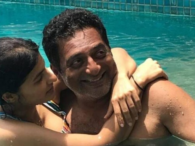प्रकाश राज यांनी १२ वर्षांनी लहान कोरिओग्राफरशी केलंय लग्न