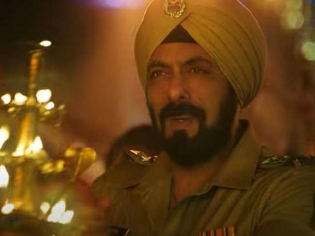 रिलीज हुआ फिल्म 'अंतिम' का पहला गाना, गणपति बप्पा की धुन पर झूमते नजर आए सलमान, वरुण और आयुष