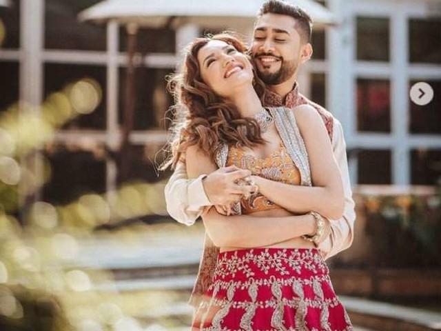 Gauahar Zaid Wedding : इन रोमांटिक फोटोज़ के साथ गौहर ख़ान ने शेयर किया कार्ड, 25 दिसंबर को होगा निकाह
