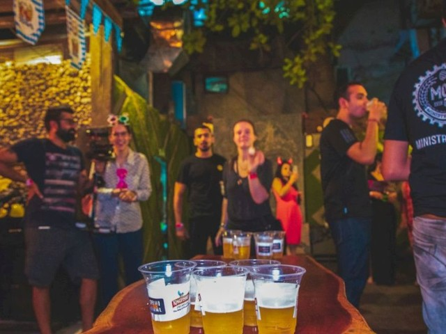 10 Pubs In Delhi That Won't Burn A Hole In Your Pocket