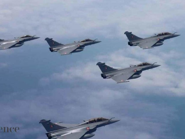 Rafale jets of Indian & French air forces conduct complex maneuvers as part of mega drill