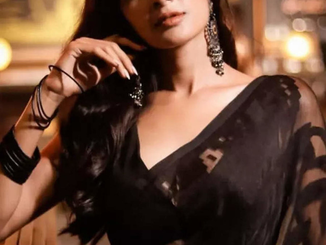 Madhumita is our mid-week glam-inspiration