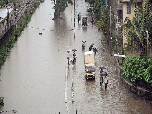 मध्य महाराष्ट्र में पिछले 48 घंटों में भारी बारिश से 10 लोगों की मौत
