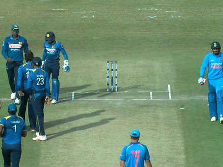 धर्मशाला वनडे में फिर छा गए धोनी, अंपायर को यूं साबित कर दिया गलत