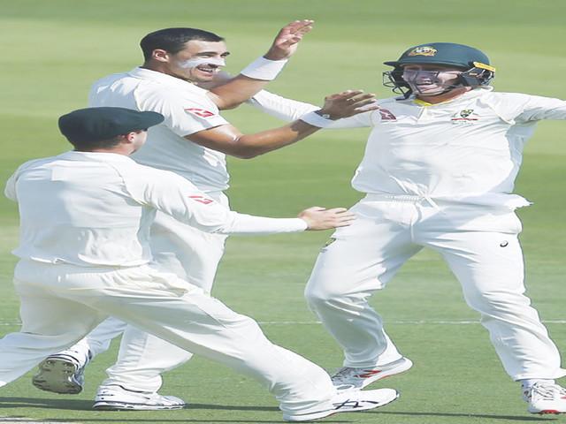 पाकिस्तानी पारी 282 पर ऑलआउट आस्ट्रेलिया के भी दो विकेट गिरे