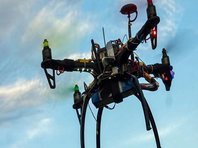 India and Drone: अब आप भी उड़ा सकेंगे हल्के ड्रोन, रजिस्ट्रेशन की किचकिच खत्म, जानें, कैसे तय होगा ड्रोन का रूट