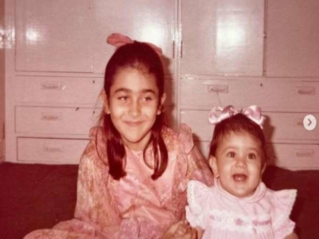 बचपन की इस तस्वीर में नहीं पहचान पाएंगे कौन है ये एक्ट्रेस, बर्थडे पर वायरल हुई चाइल्डहुड फोटो