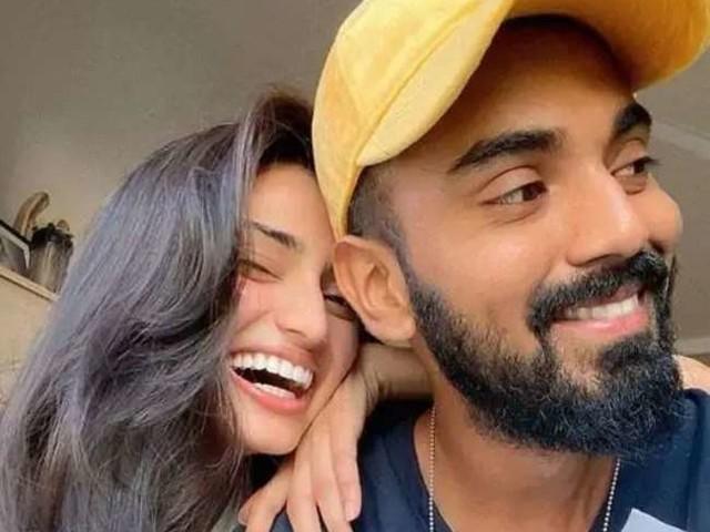 Athiya Shetty की हॉट तस्वीर देख कथित ब्वॉयफ्रेंड केएल राहुल ने दिया ये रिएक्शन, फोटो हो रही वायरल