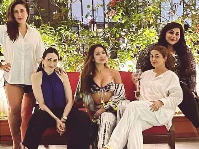 Kareena Kapoor ने 'गर्ल गैंग' के साथ की मस्ती, मलाइका अरोड़ा का दिखा ग्लैमरस अंदाज