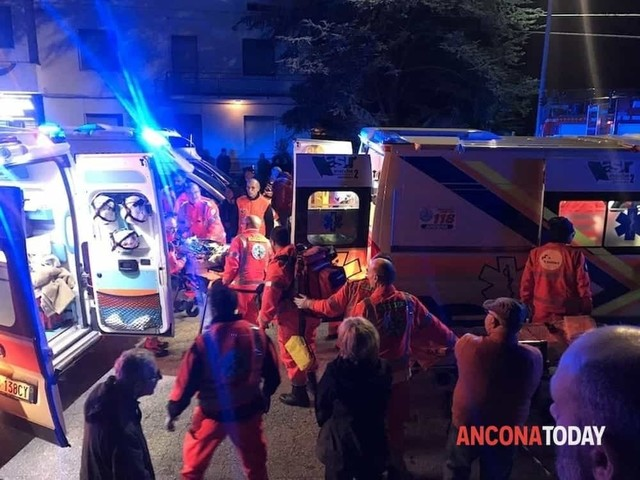 6 dead, dozens hurt in nightclub stampede on Italy's coast