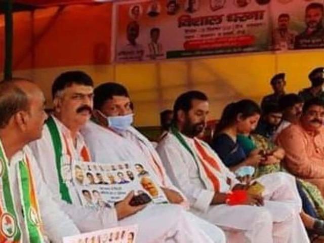 झारखंड: ओबीसी से 27% बुकिंग के साथ सड़क पर उतरी सत्तारूढ़ कांग्रेस, भाजपा ले रही पक्ष