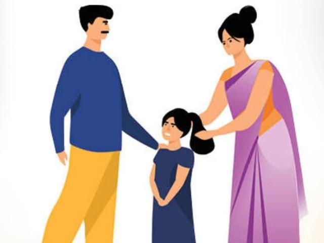ഒരുമിച്ചു താമസിക്കുന്നവരെ വിവാഹിതർക്കു തുല്യമായി കാണണം- ഹൈക്കോടതി