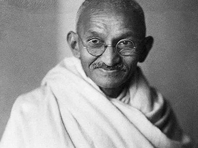 गांधी महान नेते होते, पण महान पती नाही; का म्हणाली कंगणा असं?