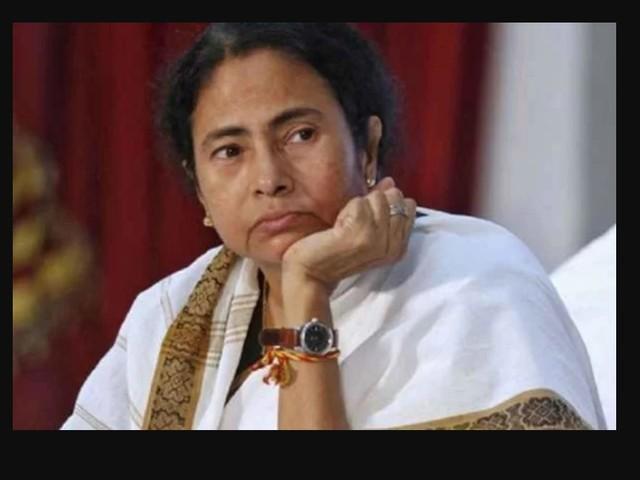 लोकसभा चुनाव से पहले ममता बनर्जी की पार्टी में बड़ी फूट, 6 सांसद खिलाएंगे 'कमल'