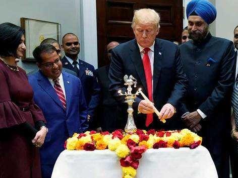 US प्रेजिडेंट ट्रंप ने वाइट हाउस में मनाई दिवाली
