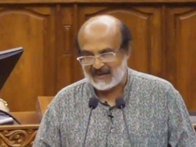 പുതിയ പുലരിയുടെ പ്രതീക്ഷയുമായി ആറാം ബജറ്റ് അവതരണം ആരംഭിച്ചു