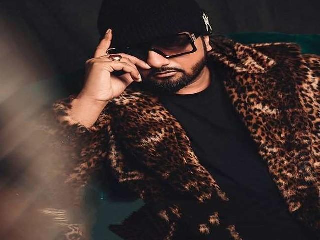 Yo Yo Honey Singh की पत्नी घरेलू हिंसा के मामले में जानें क्यों कोर्ट में जज के सामने रो पड़ी, पढ़ें पूरी खबर