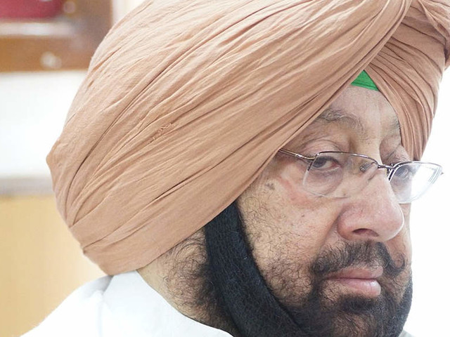 Amarinder Singh calls return of Padma award by Parkash Singh Badal 'theatrics'