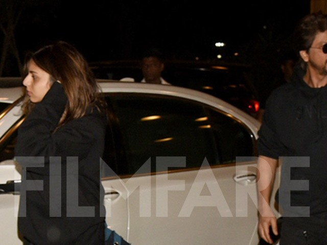 Suhana and Shah Rukh Khan twin in black at the airport