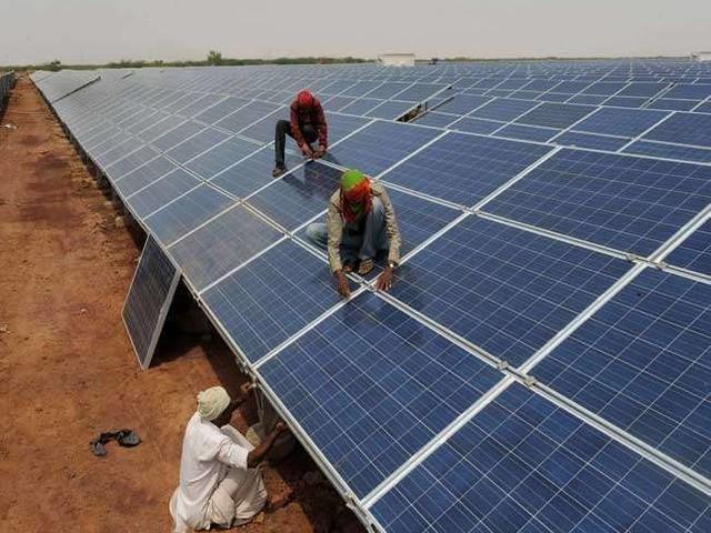केंद्र सरकार ने कहा- भारत 2030 तक हासिल करेगा 4,50,000 मेगावाट की अक्षय ऊर्जा उत्पादन क्षमता